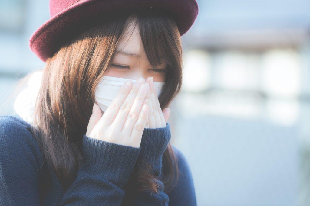 風邪を引いた人のイメージ