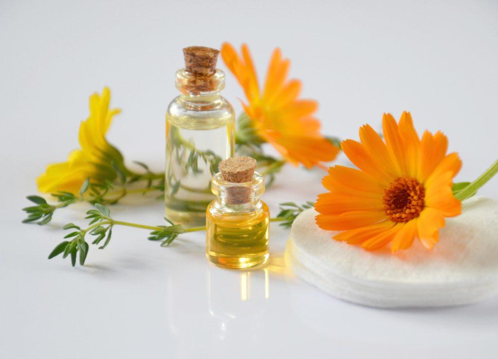 ハチミツの小瓶のイメージ