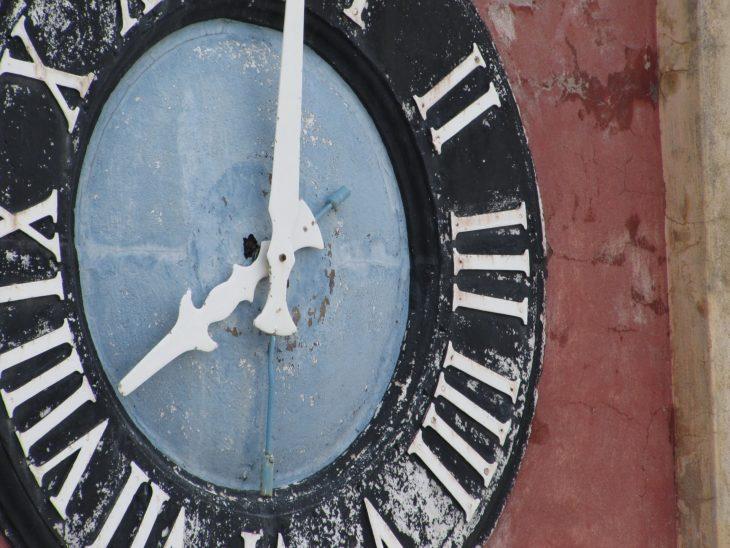 歴史のある古い時計