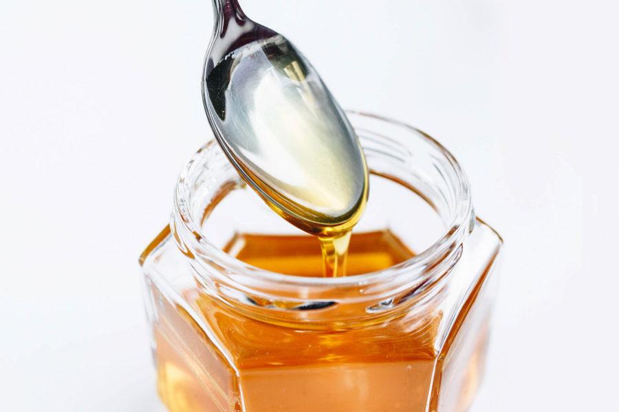ハチミツを食べるときのイメージ