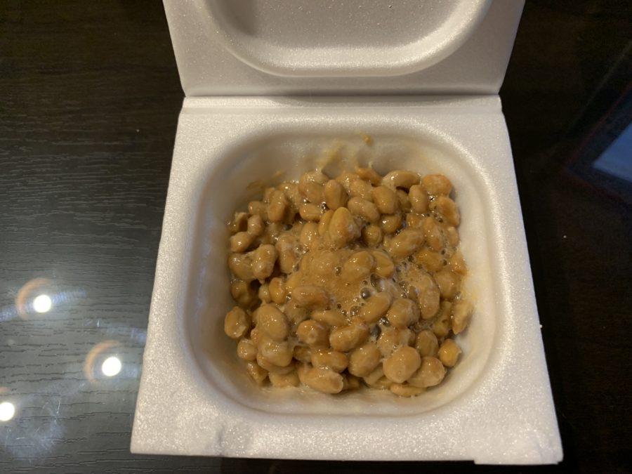 納豆を軽く混ぜた状態