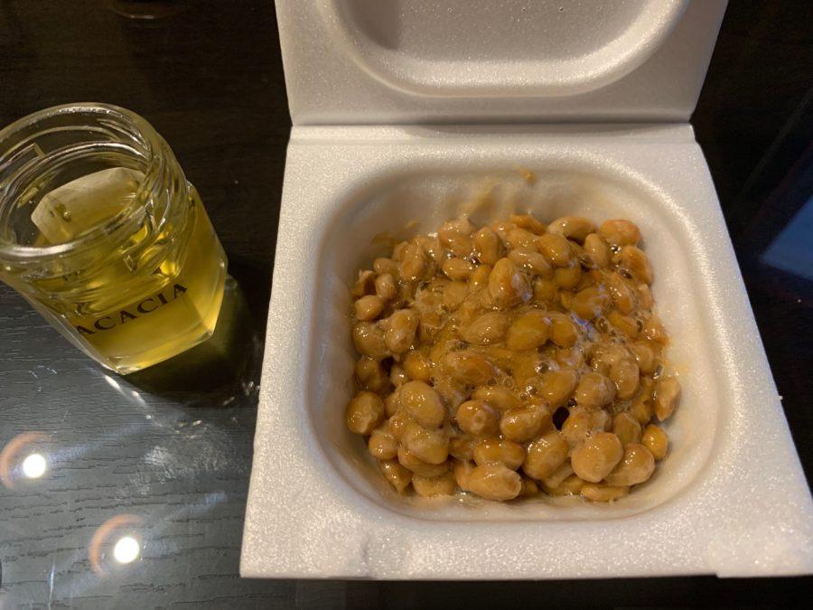 納豆にハチミツをかけた状態